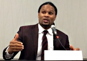 Photo: Tara Haelle/AHCJNFL free agent Josh Cribbs captivated attendees with his own experiences, talking about the lengths that players would go to conceal possible concussions and game the tests.