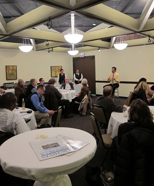 Chicago-area journalists gathered to hear from JAMA's editor. (Photo: Carla K. Johnson)