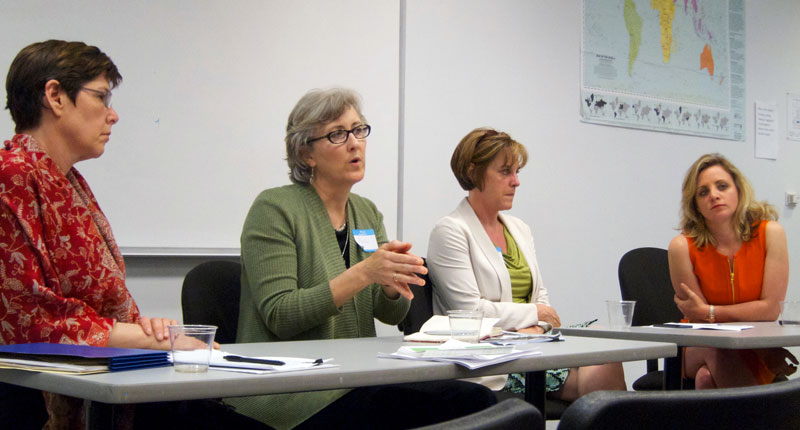 Julie Goldstein, M.D., Martha Twaddle, M.D., Mary Mulcahy, M.D., and Randi Belisomo (left to right) discussed end-of-life care at an AHCJ Chicago chapter event on June 11.