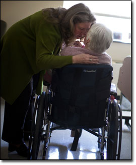 Alison Weingartner of Beverly visited her mother, Rosanne Murphy, at Prescott House nursing home in North Andover. Photo: Dina Rudick/The Boston Globe